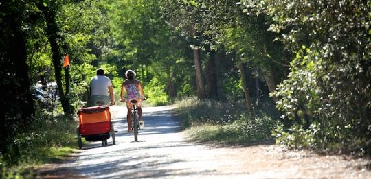 Cycling with kids in France