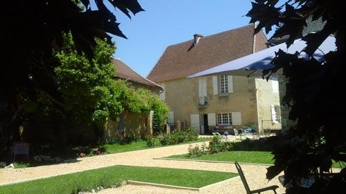 Cycling accommodation in bordeaux the dordogne and - Reparation telephone brive ...