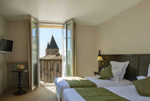cycling hotel review hotel le donjon carcassonne freewheeling france. Black Bedroom Furniture Sets. Home Design Ideas