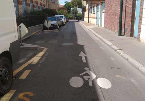 'Double-sens cyclables' or two-way cycle lanes.