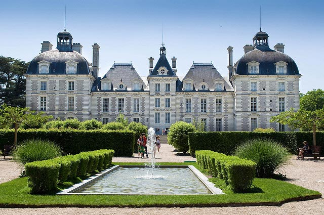 The stunning Château de Cheverny – French architecture at its best. Photo: kosokund
