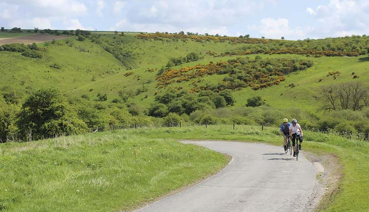 Climbing out of Millington Dale towards Pocklington on day one of the Way of the Roses route.