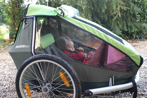 Croozer bike trailer, freewheelingfrance.com
