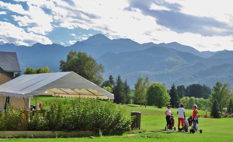 Golf courses in the pyrenees