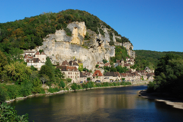 La Roque Gageac, embedded into the cliffs on the edge of the Dordogne River. Photo Stephane Mignon