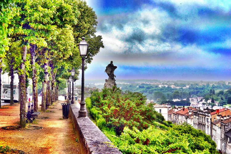 The Carnot statue overlooking Angoulême. Photo Robert Pittman