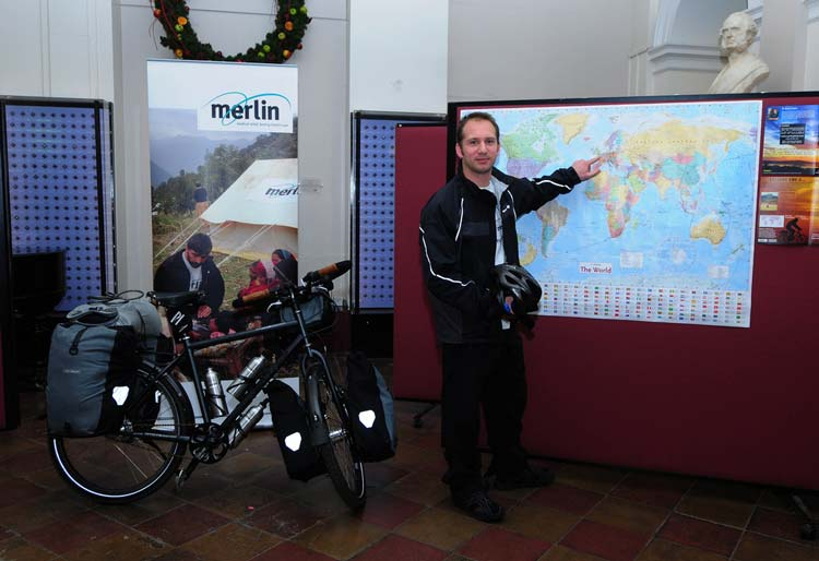 Steve checks his route prior to departure at St Thomas's Hospital in London. Photo: Steve Fabes/Cyclingthe6