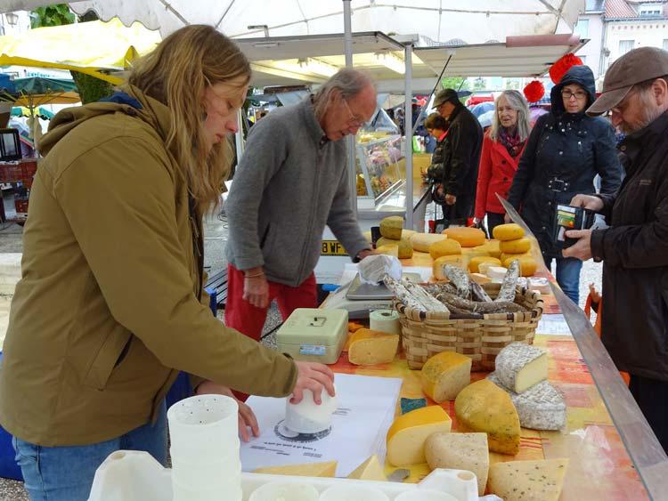 Thiviers market