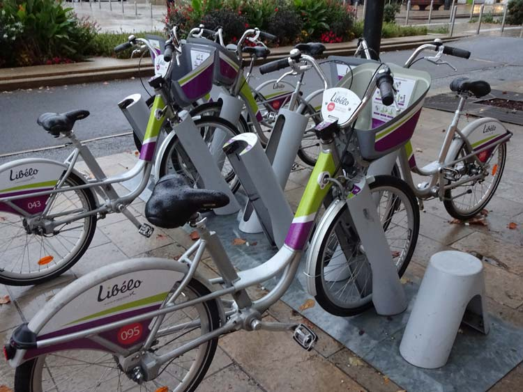 Valence's Libélo publc bike share. Photo: Freewheeling France