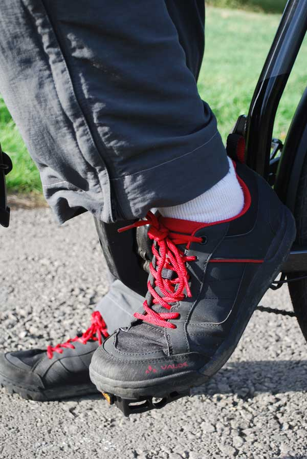 Vaude AM bike shoes in action