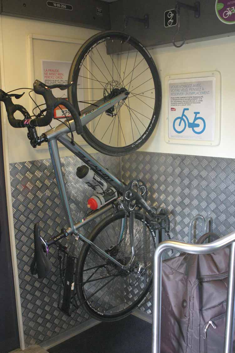bicycle on intercites train in france