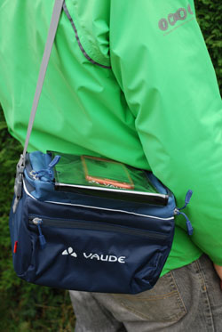 Carrying the Vaude road I handlebar bag
