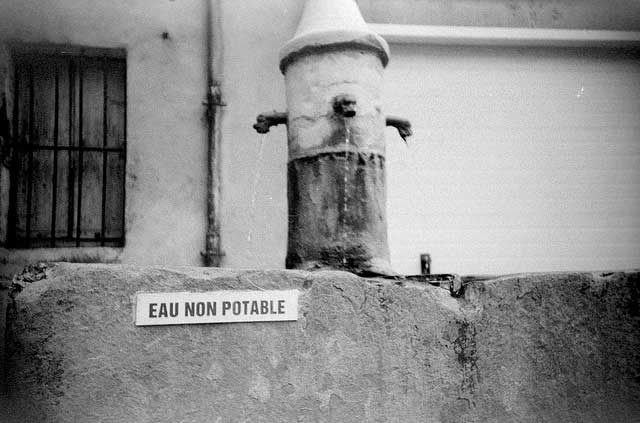 Eau non potable or undrinkable water in France