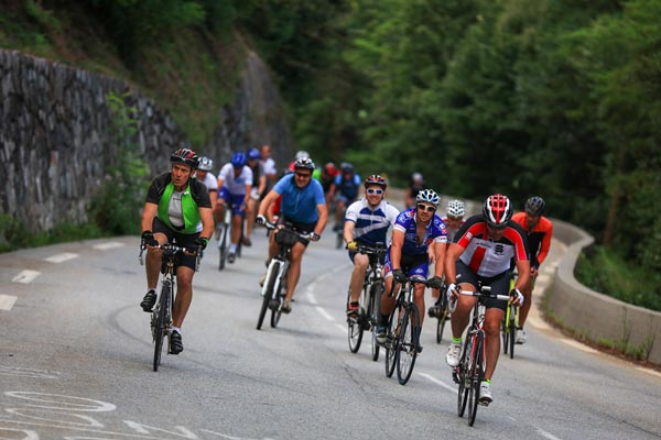 Car-free days in the Alps for the Oisans Col Series