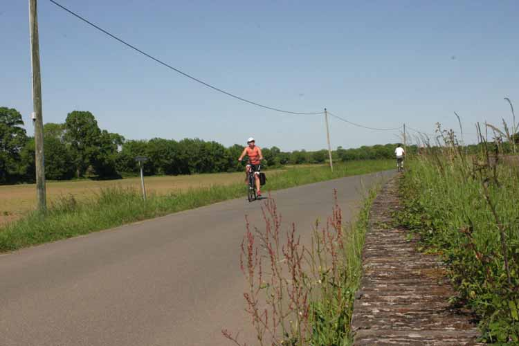 cycling saumur to angers