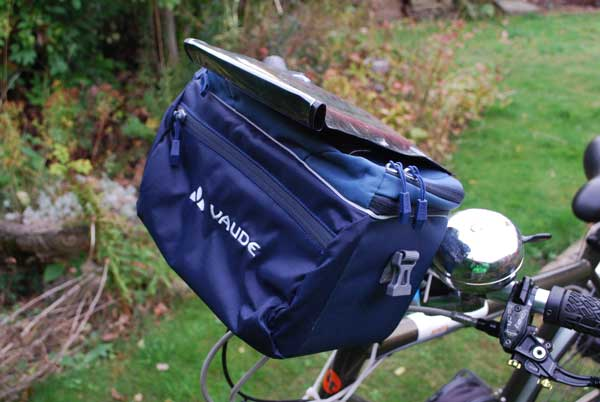 vaude-handlebar-bag-and-pocket