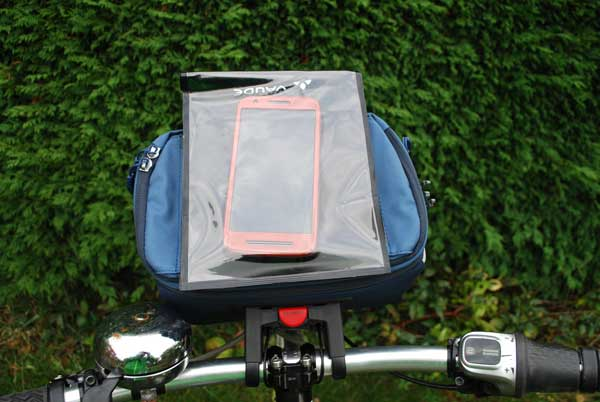 Vaude Road I Handlebar bag and BeGuided Smartphone pocket